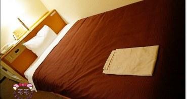 北陸高山住宿飯店 》高山鄉村酒店。車站正對面,樓下就是便利商店,離各景點走路就可以到,價格便宜實在,房間乾淨舒適,自由行飯店推薦Country Hotel Takayama.名古屋北陸自助旅行