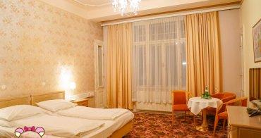 維也納4星平價飯店推薦|Hotel Pension Baronesse,高挑水晶燈宮殿般超美房間