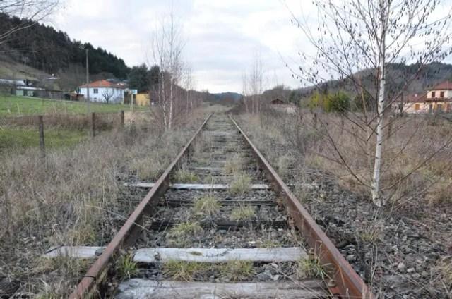 Transport - Laurent Wauquiez « passe à l'offensive » pour sauver la ligne Thiers-Boën, entre Puy-de-Dôme et Loire, un tronçon ferroviaire fermé depuis 2016