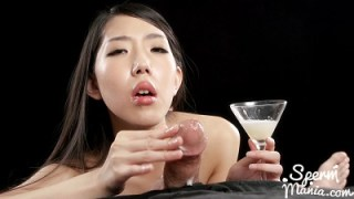 Spermmania 135 Rio Kamimoto Collects Lots of Cum for An Extra Sloppy Handjob
