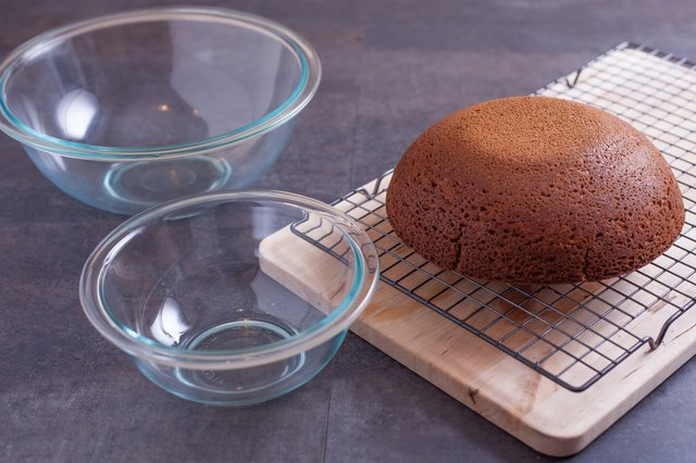 How To Make A Cake In A Pyrex Bowl LEAFtv