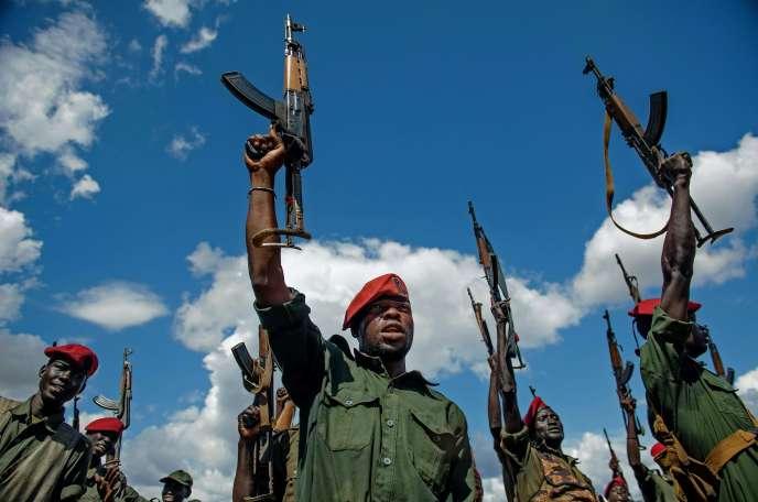 Des soldats de l'[Armée de libération des peuples du Soudan (SPLA) près de Juba, le 14 avril 2016.