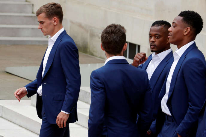 """From left to right, Antoine Griezmann, Yohan Cabaye, Patrice Evra and Anthony Martial in 2016. The Paris prosecutor opened an investigation for """"homophobic insults"""" against Patrice Evra, who had launched in a video published on social networks late March homophobic insults against PSG after his defeat against his former club Manchester United in the Champions League."""