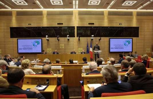 Edouard Philippe, lors de son discours à l'ouverture de la conférence des territoires, lundi 17 juillet au Sénat.