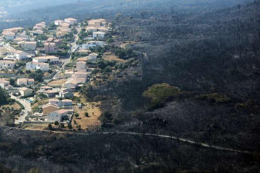 Quelques reprises de feux près de Biguglia inquiétaient toujours les secouristes dans l'après-midi.