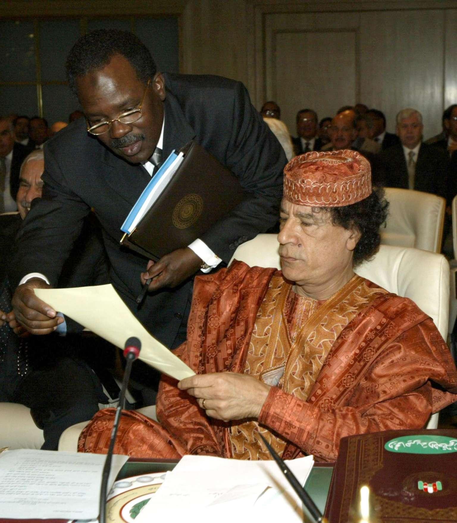 Le président libyen Mouammar Kadhafi en mars 2003.