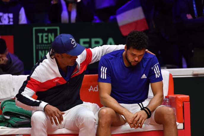 The Noah Strip is driven on Friday 23 November two points to zero by Croatia in the Davis Cup final after defeats by Jeremy Chardy (6-2, 7-5, 6-4 against Borna Coric) and Jo-Wilfried Tsonga (6- 3, 7-5, 6-4 against Marin Cilic)