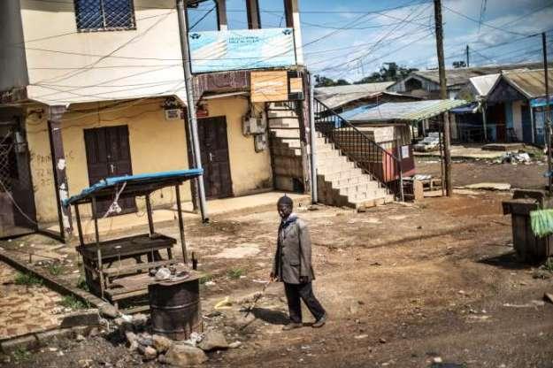 Dans les rues désertées de Buéa, la capitale de la région camerounaise du Sud-Ouest, en octobre2018.