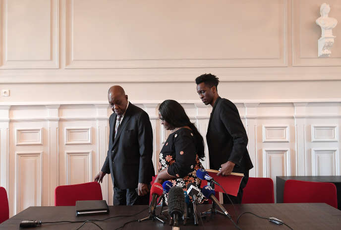 Naomi Musenga's parents and brother, at a press conference on 22 June 2018 in Illkirch-Graffenstaden, near Strasbourg.