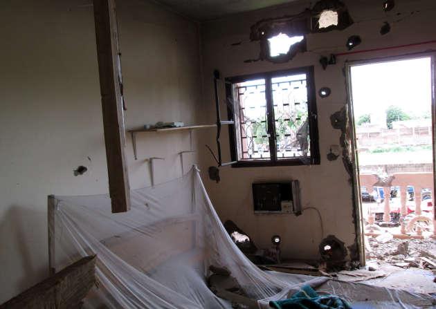 Une chambre de l'hôtel Byblos à Sévaré, au Mali, après l'attaque du 8 août 2015.