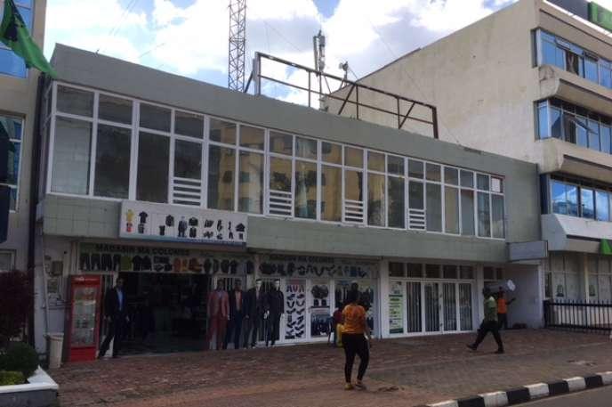 Le magasin de vêtements Ma Colombe, à Kigali, au-dessus duquel se trouvaient les locaux de Radio-Mille Collines, en janvier 2019.