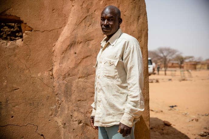 Modi Zango, un cultivateur de mil et de sorgho à Gorgadji, héberge un cousin et sa famille, rescapés d'une attaque à Sikiré.