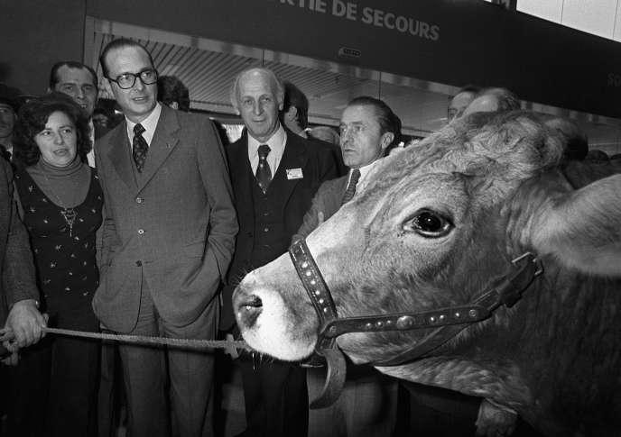 Jacques Chirac, alors premier ministre, au salon de l'Agriculture, le 6 mars 1975.