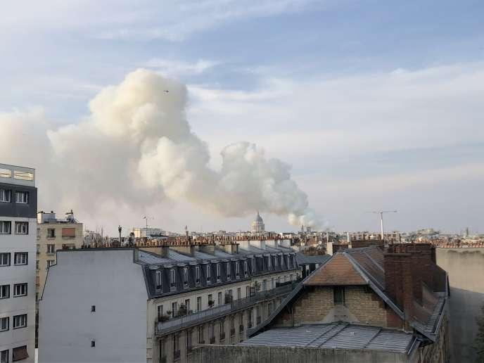 L'incendie de Notre-Dame vu du 13e arrondissement de Pairs
