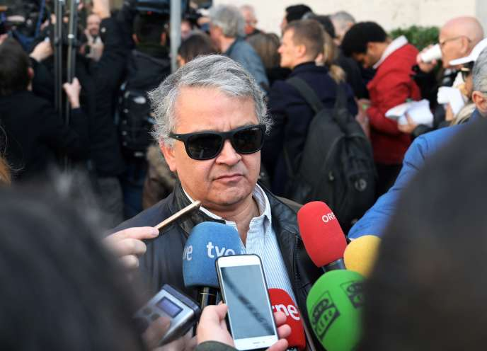 The journalist Pedro Salinas, in front of the media, on April 20, 2019, at the Vatican, on the occasion of a rally of the organization Ending Clergy Abuse.
