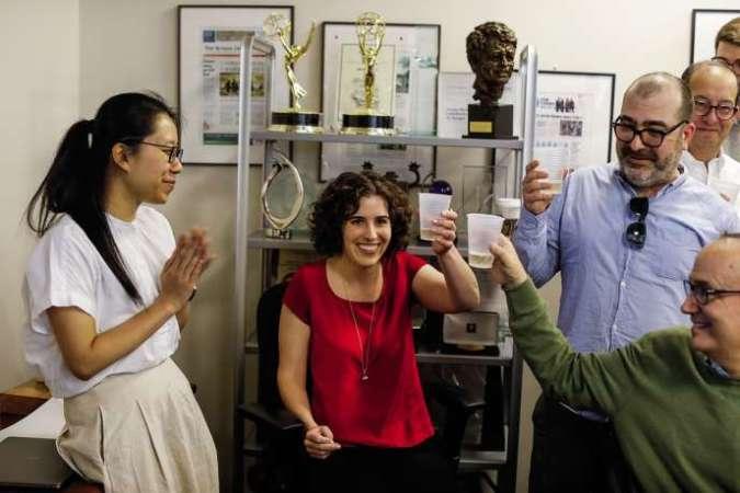 Le site ProPublica a été récompensé par le Pulitzer pour trois reportages d'Hannah Dreier (au centre). En 2018, près de soixante titres de presse ont relayé leurs enquêtes.