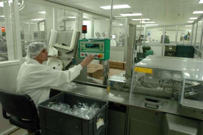 Un laboratoire pharmaceutique à Tunis, en octobre 2009.