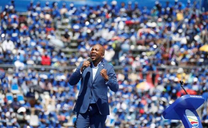 Mmusi Maimane, leader de l'Alliance démocratique (DA), lors d'un meeting à Johannesburg, en Afrique du Sud, le 23février 2019.