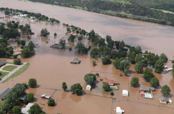 Inondation à Sand Springs, dans l'Oklahoma, le 23 mai, après des épisodes d'orages et de pluies torrentielles sur le Midwest.