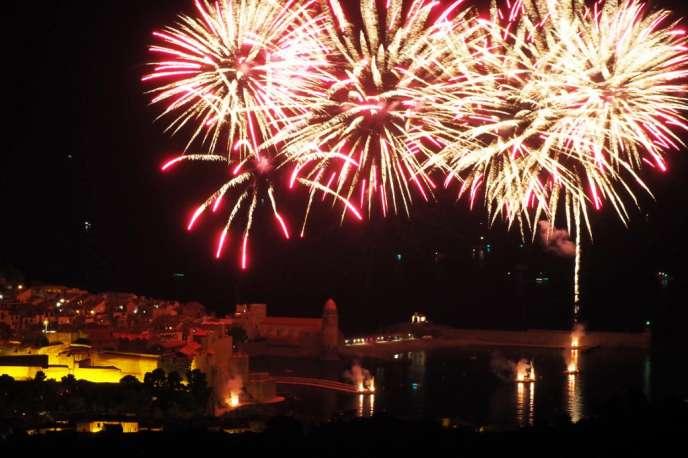 Feu d'artifice à Collioure le 16 août 2018, pendant les festivités de Saint-Vincent de Collioure, qui ont lieu tous les ans du 14 au 18 août.