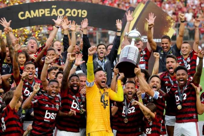 L'équipe de Flamengo célèbre sa victoire en Copa Libertadores, le 23 novembre à Lima, au Pérou.