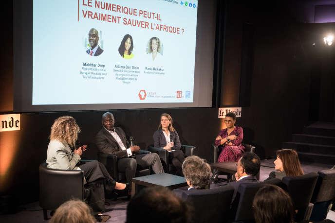 Invités : De droite à gauche: Adama Bari Diallo (Google), Marie de Vergès (Le Monde Afrique), Maktard Diop (La Banque Mondiale), Rania Belkahia (Afrikamarket).