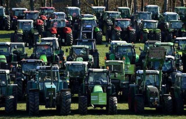 Manifestation contre le projet de loi visant à restreindre l'utilisation d'engrais, à Seeon-Seebruck (Bavière), le 6 janvier.
