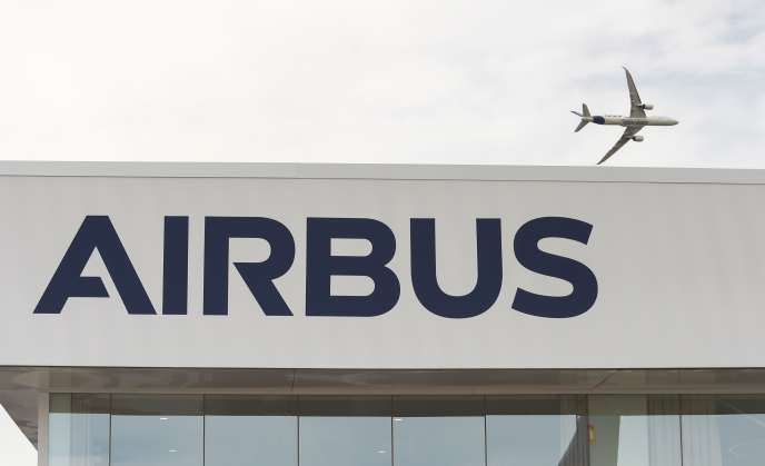 Аэробус A350 1000 над аэропортом Бурже, 18 июня 2019 года.