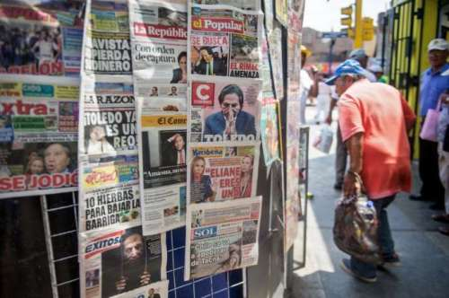 Les « unes» des journaux sur l'ex-président AlejandroToledo (2001-2006), à Lima (Pérou),en février 2017.