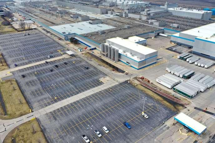 Le parking des employés de l'usine d'assemblage de Fiat Chrysler Automobiles (FCA), à Belvidere, dans l'Illinois, mardi 24 mars.