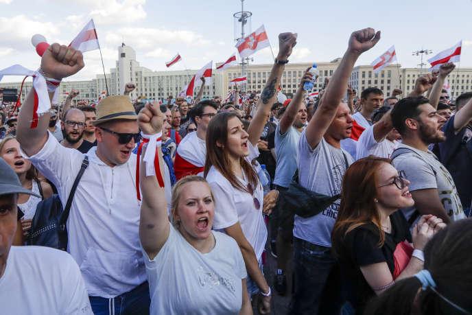 Manifestation à Minsk, le dimanche 16 août.