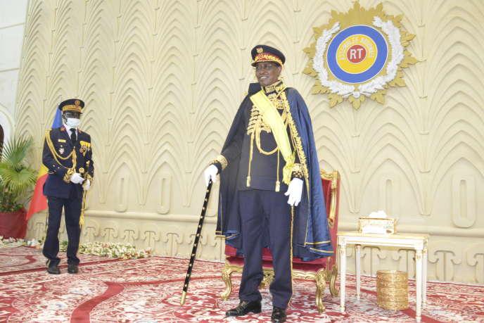Idriss Déby reçoit officiellement le titre de «maréchal du Tchad» lors d'une cérémonie à l'Assemblée nationale le 11 août 2020 à N'Djamena, à l'occasion du 60e anniversaire de l'indépendance du pays.