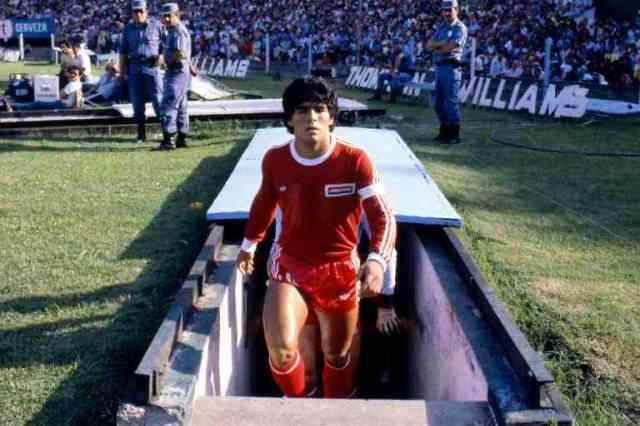 Diego Maradona - 14.03.1980 - Racing Club / Argentinos Juniors - Championnats d'Argentine -