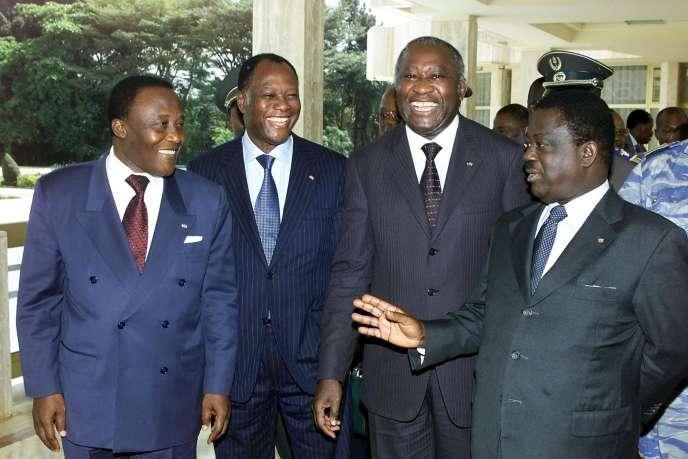 De gauche à droite: Robert Gueï, Alassane Ouattara, Laurent Gbagbo et Henri Konan Bédié, à Yamoussoukro, le 22janvier 2002.