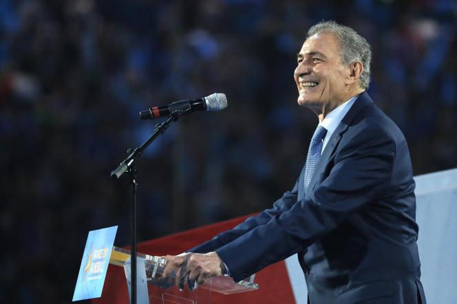 L'Egyptien Hassan Moustafa, président de la Fédération internationale de handball, lors du match d'ouverture du Mondial de handball en France, le 11 janvier 2017.