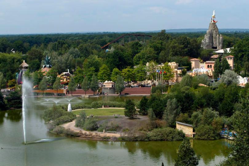 Photo prise le 21 juillet 2004 à Plailly, des attractions du Parc Astérix.