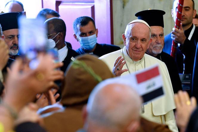 Le pape François à son arrivée à l'église de l'Immaculée Conception deQaraqosh (Irak), le 7 mars 2021.