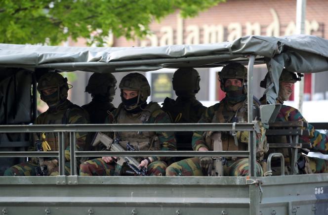 L'armée belge a été déployée aux entrées du parc national de la Haute Campine. Photo prise àMaasmechelen, le 21 mai 2021.