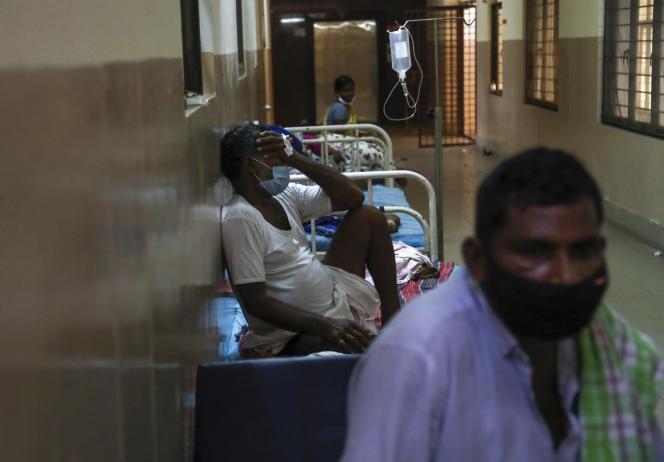 Des patients infectés par la mucormycose sont soignés dans une unité spécialisée d'un hôpital gouvernemental à Hyderabad, en Inde, le 23 mai 2021.