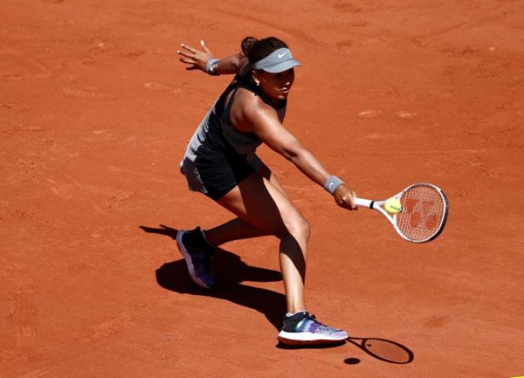 Naomi Osaka, lors de son premier tour à Roland-Garros, contre la roumainePatricia Maria, le 30 mai 2021, à Paris.
