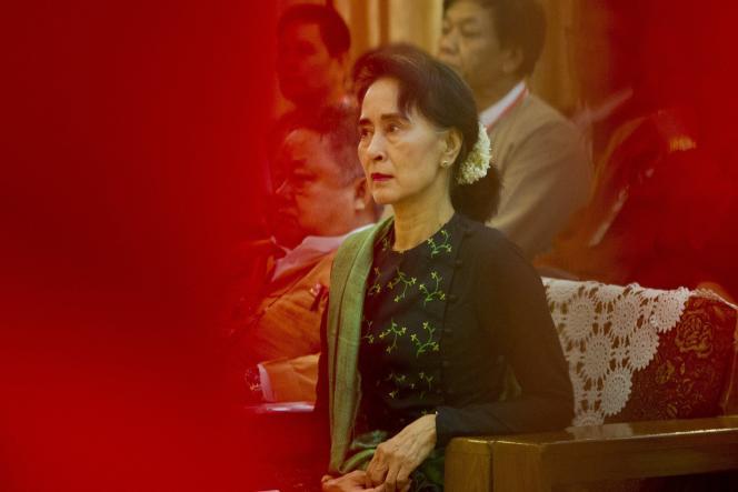 Interpellée au matin du 1erfévrier, la lauréate du prix Nobel de la paix1991 est déjà confrontée à de nombreuses inculpations.