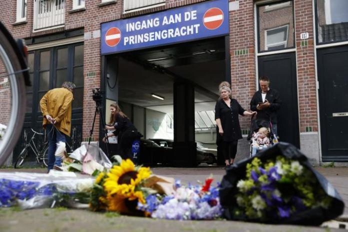 A Amsterdam, le 7 juillet, après l'attaque contre le journaliste Peter deVries, la veille.