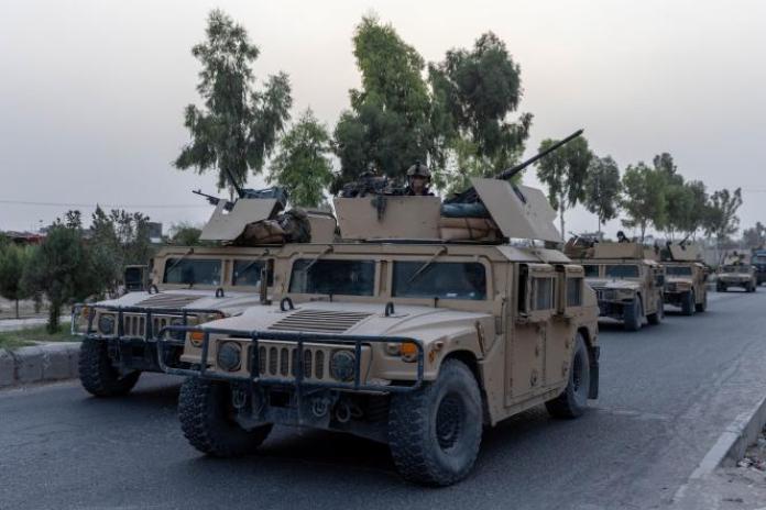 Un convoi des forces spéciales afghanes dans la province de Kandahar, en Afghanistan, le 13 juillet 2021.