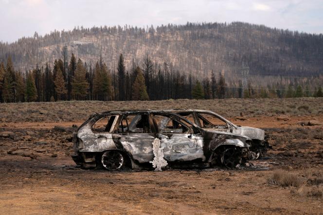 Les restes de voitures détruites par le «Bootleg Fire», près de Beatty, dans l'Oregon, le 19juillet2021.