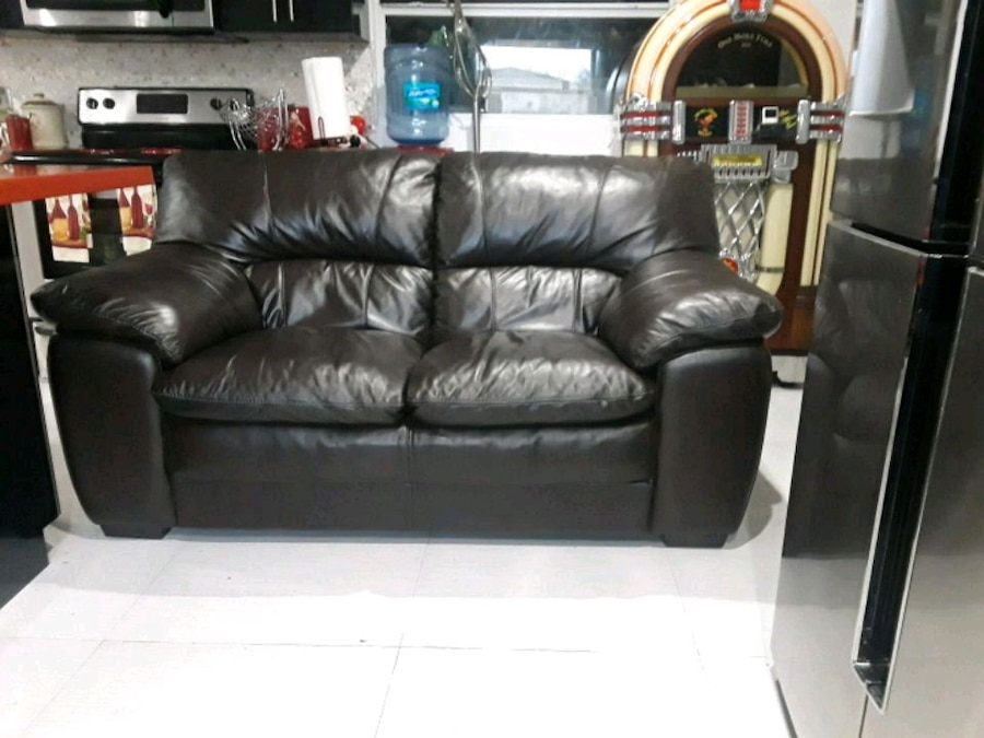 miramar leather sofa barker and stonehouse corner sofas used black 3 seat for sale in letgo homeused home garden items florida