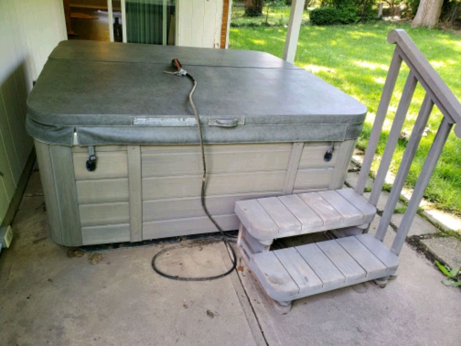 Used Tiger river 2008 4 person hot tub for sale in Dayton ...