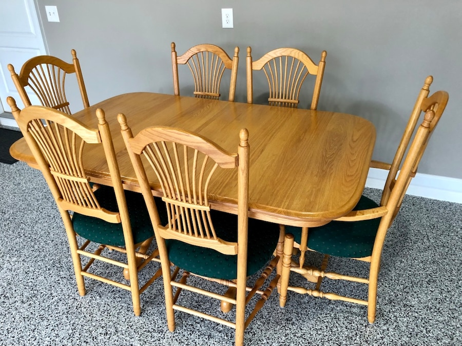 oak dining set 6 chairs telescope beach used amish table with and 2 extensions for sale in clarksville letgo