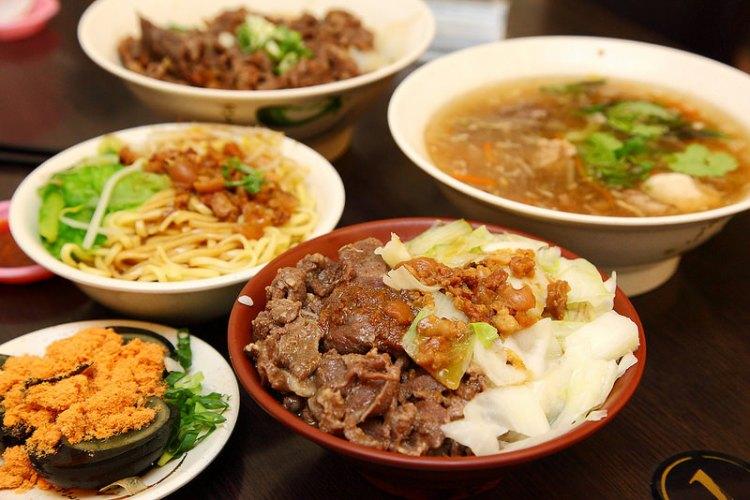 [台北中山]獨門配方不腥不羶羊肉羹,少少銅板大滿足~!肥老媽羊肉羹