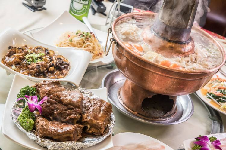 [台北中山]天然發酵酸菜白肉鍋,道地東北菜,豪邁大份量!東北軒酸菜白肉鍋