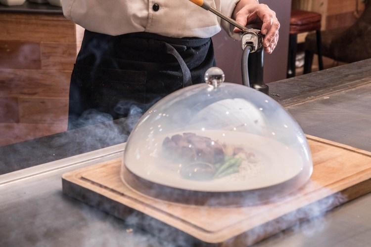 [桃園市]中正藝文特區鐵板燒推薦,融入義法料理舒肥烹調技法的精緻鐵板燒!君子蘭新鐵板料理
